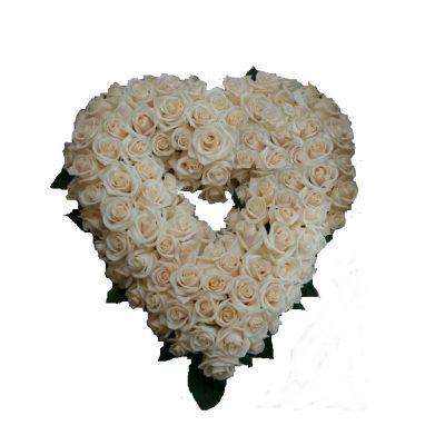 Cremefarvet hjerte til begravelse