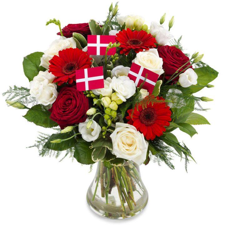 Fødselsdagbuket i rød og hvid med flag på