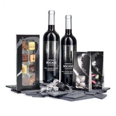 Gavepose til firma med vin og lækkerie
