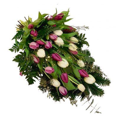 Bårebuket med hvide og lilla tulipaner