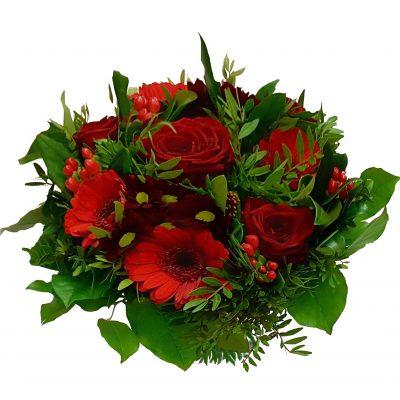 Rød buket med røderoser og andre lækre blomster